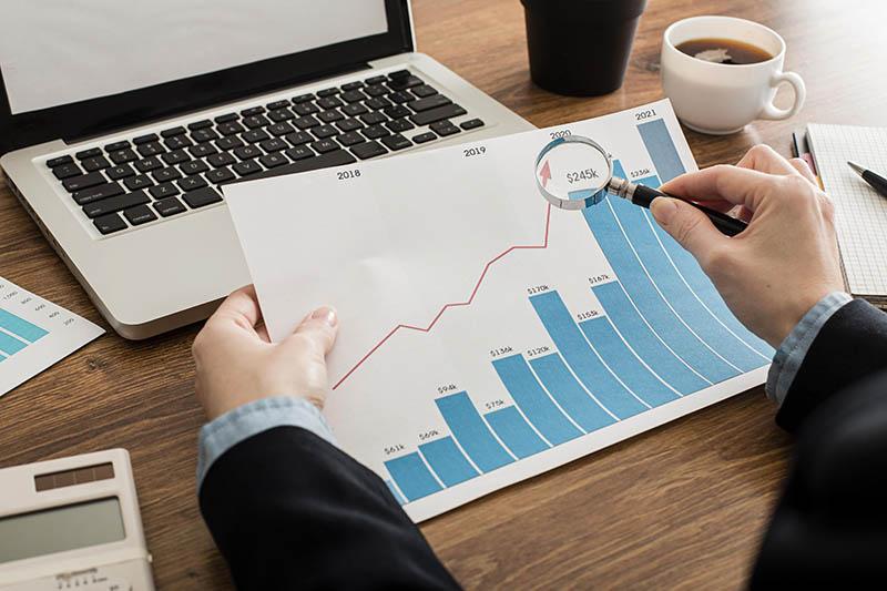 Dựa vào lãi ròng doanh nghiệp có thể đưa ra chiến lược kinh doanh phù hợp